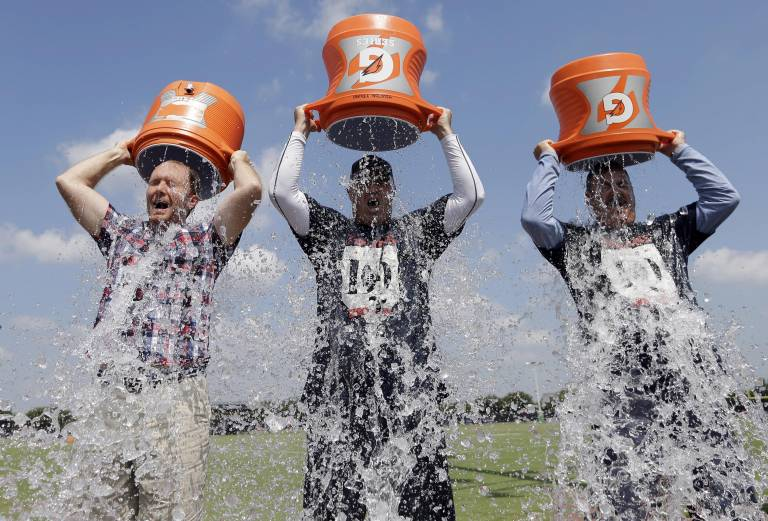 140819-ice-bucket-challenge-1949_899e03e1c58b45b56812f96bc79680a6